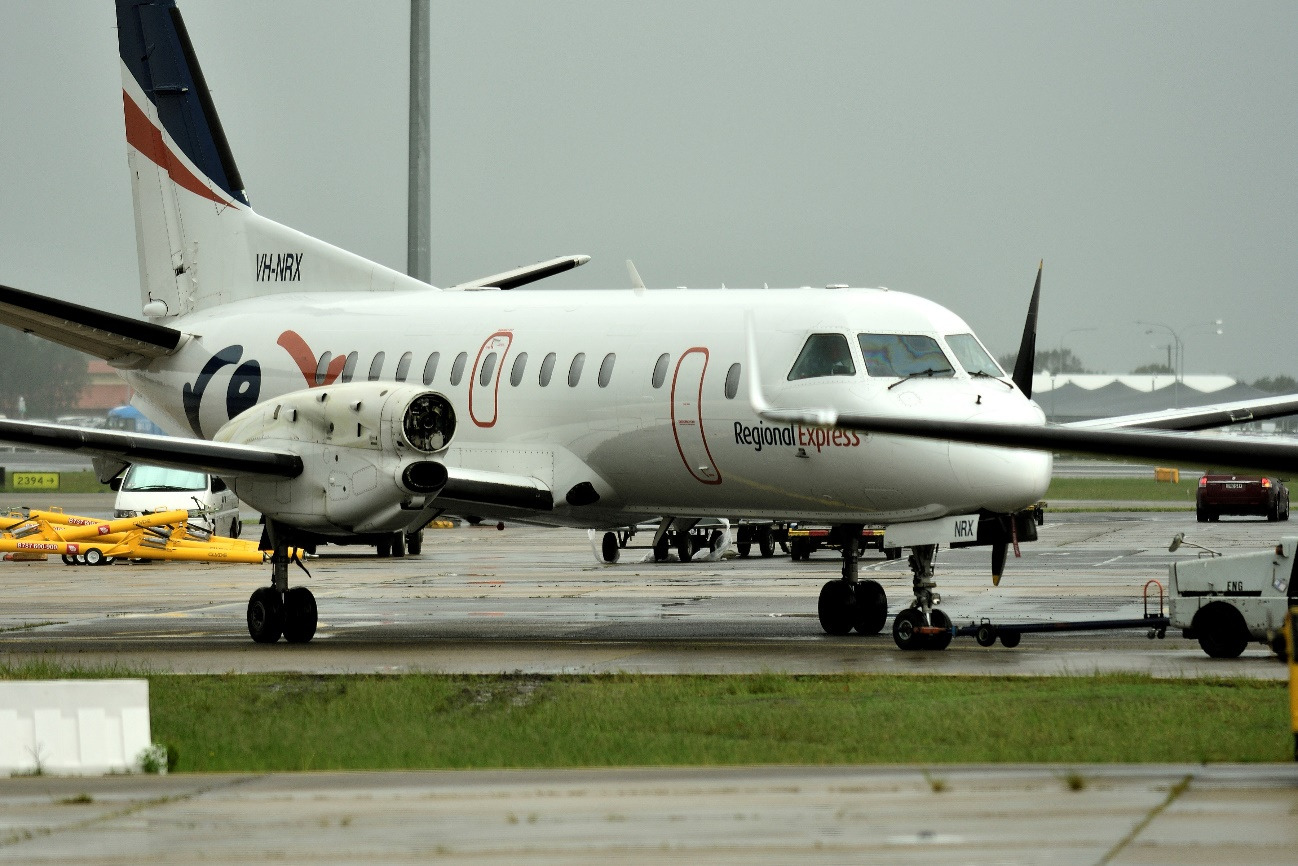 Saab 340 missing a propeller